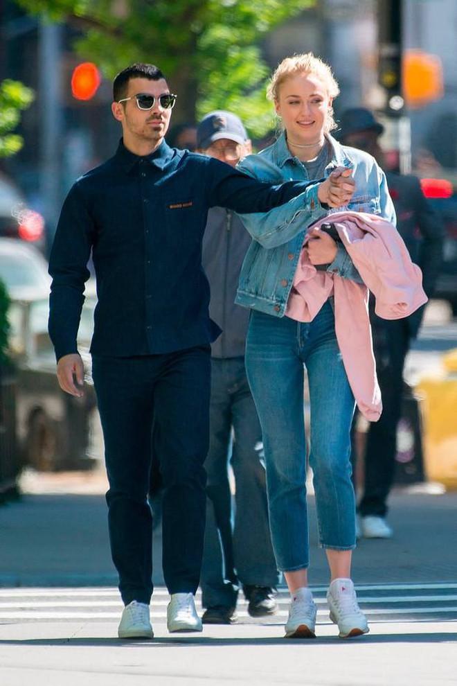 6 cặp đôi 9X đáng ngưỡng mộ nhất Hollywood: Mối tình của Justin hay Miley không xúc động bằng sao nhí Zack & Cody - ảnh 47