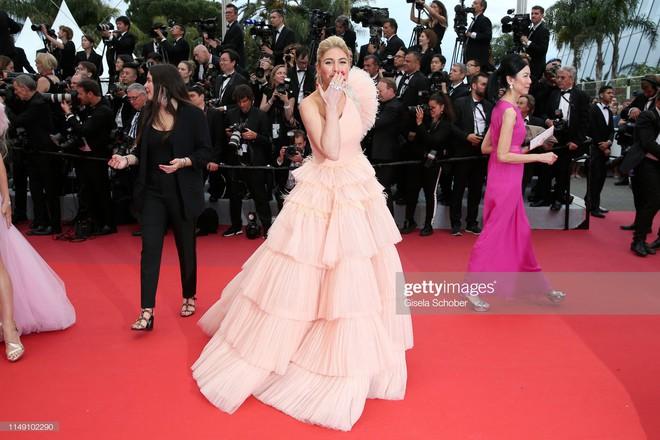 Muốn lịm đi với màn tập hợp váy công chúa ngày khai mạc Cannes 2019, bộ nào cũng bồng bềnh thần tiên quá đỗi - ảnh 17