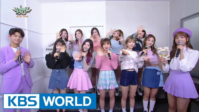Vô tư nhảy, hát loạt hit TWICE từ sân khấu ra ngoài đời, Taeyeon (SNSD) đích thị là fangirl cuồng nhiệt nhất! - Ảnh 12.