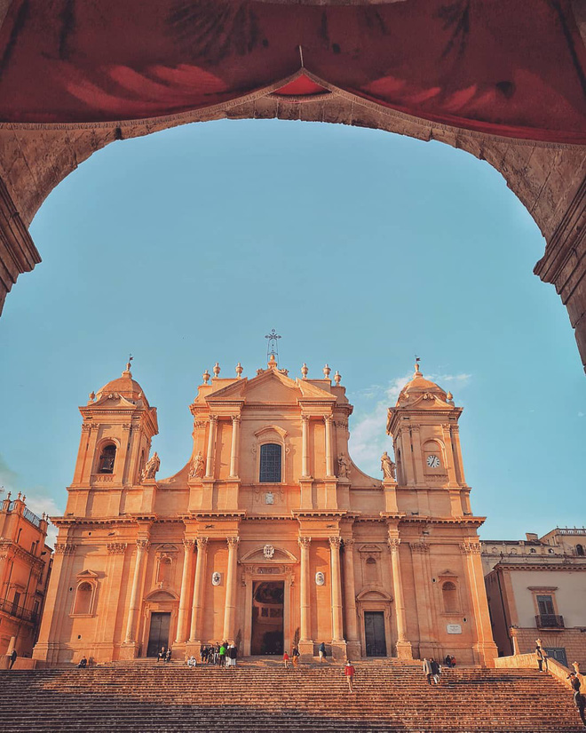"""Có gì tại hòn đảo được mệnh danh là """"thánh địa mafia"""" kì lạ hút hàng triệu du khách mỗi năm ở Ý? - ảnh 6"""