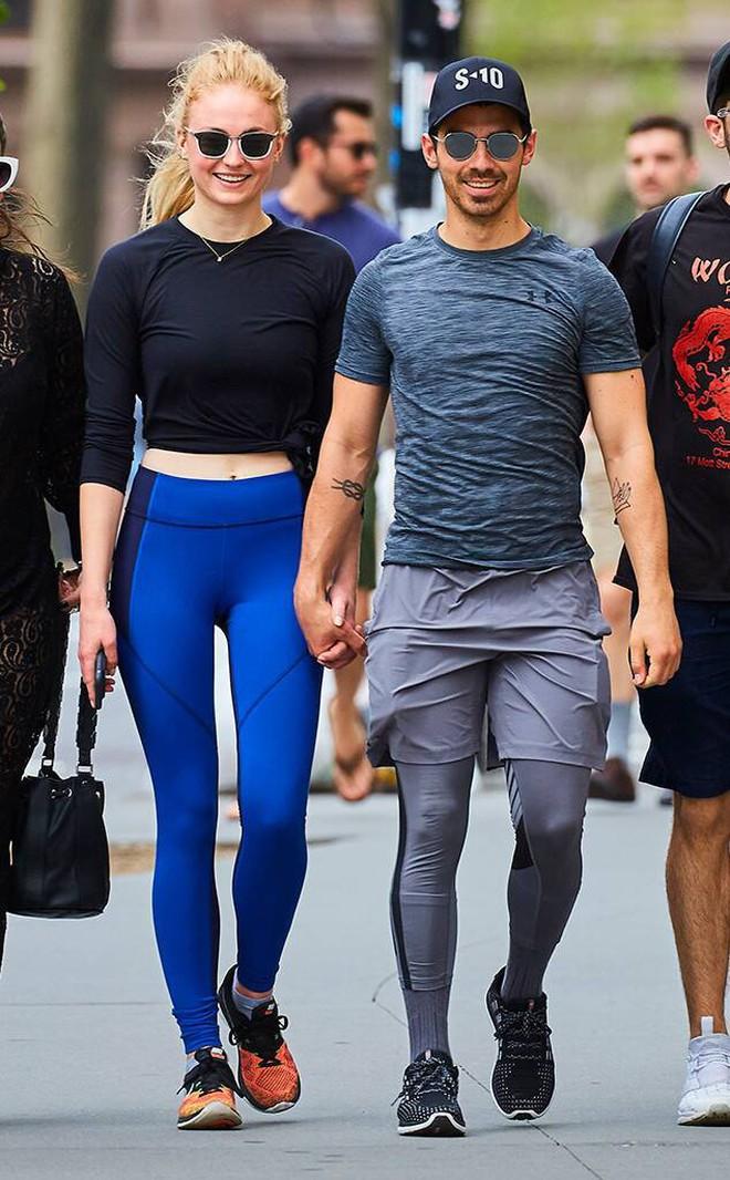 6 cặp đôi 9X đáng ngưỡng mộ nhất Hollywood: Mối tình của Justin hay Miley không xúc động bằng sao nhí Zack & Cody - ảnh 48