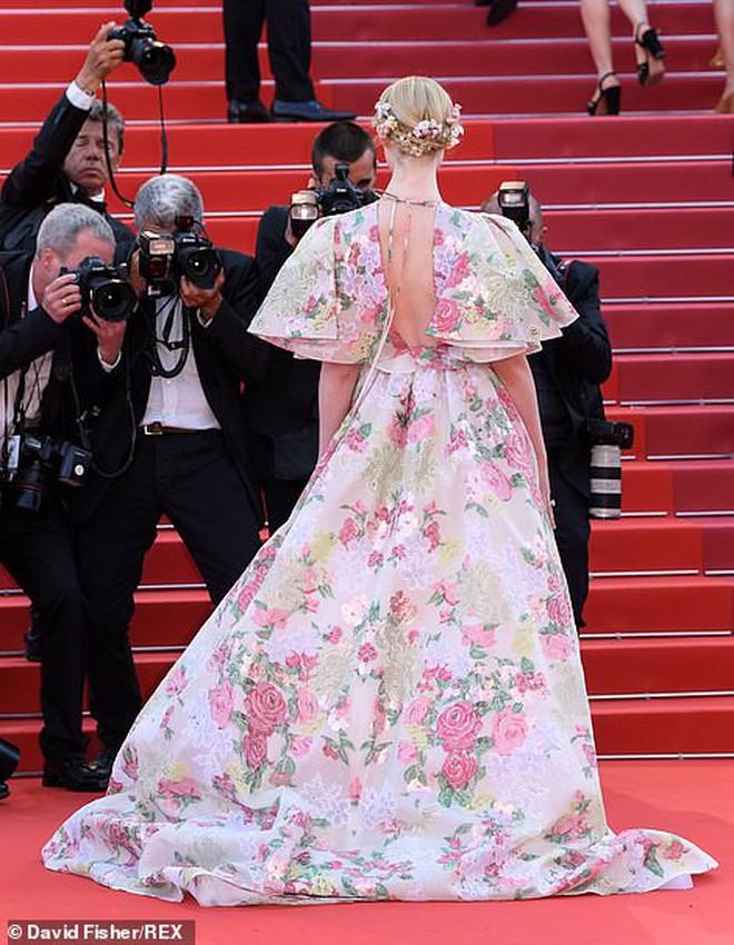 Thảm đỏ Cannes ngày 2: Thiên thần Victoria's Secret suýt lộ hàng, Phạm Băng Băng Thái Lan xinh như tiên tử - ảnh 16