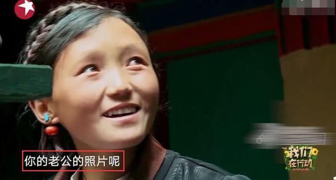 Ơn giời cuối cùng Angela Baby đã tự mình chứng minh vẫn sống hạnh phúc bên Huỳnh Hiểu Minh - ảnh 2