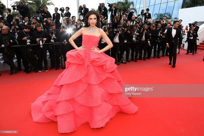 Người đẹp lai trong chiếc đầm đỏ xứng danh là tuyệt tác trên thảm đỏ Cannes ngày 2 - ảnh 3