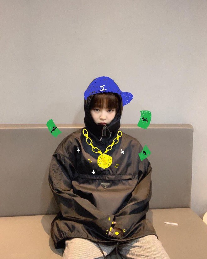 Có nữ idol nào như Jennie: Chẳng thèm giữ gìn hình tượng, toàn đăng ảnh tạo dáng khó hiểu tặng meme cho fan chế - ảnh 10