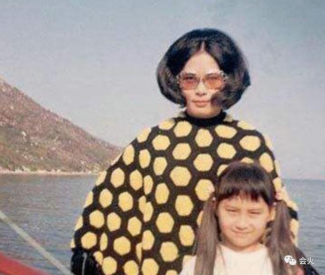 Hà Siêu Quỳnh: Ái nữ phản nghịch của gia tộc trùm sòng bạc Macau và 2 cuộc hôn nhân ngàn tỷ tan vỡ - ảnh 3
