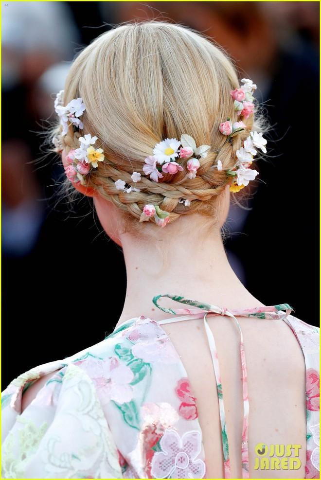 Giữa loạt mỹ nhân sexy ngồn ngộn tại Cannes 2019, có một nàng công chúa cổ tích đẹp nao lòng bước ra đời thực - Ảnh 5.
