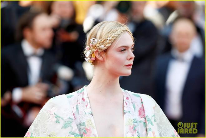 Giữa loạt mỹ nhân sexy ngồn ngộn tại Cannes 2019, có một nàng công chúa cổ tích đẹp nao lòng bước ra đời thực - Ảnh 7.