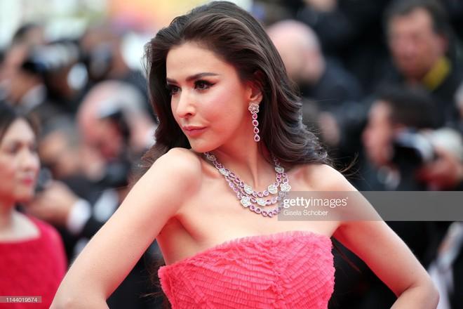 Ngày thứ 2 Cannes xuất hiện nữ thần nhan sắc chặt chém thảm đỏ, khiến Phạm Băng Băng Thái Lan chịu lép vế - ảnh 9