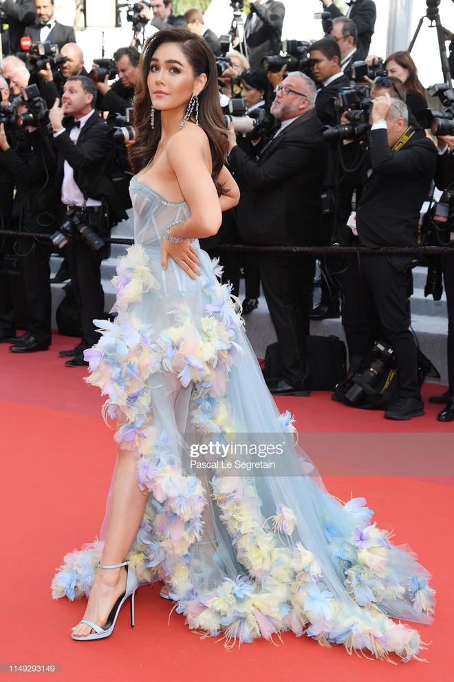 Thảm đỏ Cannes ngày 2: Thiên thần Victoria's Secret suýt lộ hàng, Phạm Băng Băng Thái Lan xinh như tiên tử - ảnh 8