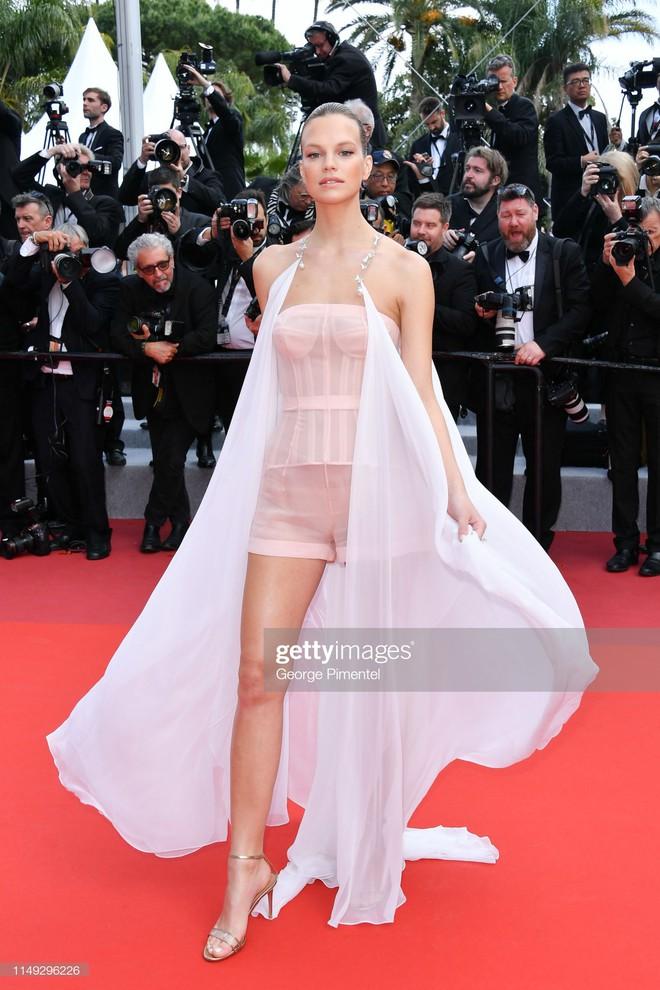 Thảm đỏ Cannes ngày 2: Thiên thần Victoria's Secret suýt lộ hàng, Phạm Băng Băng Thái Lan xinh như tiên tử - ảnh 24