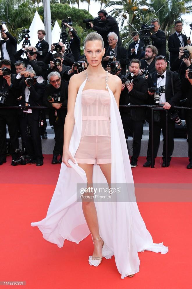 Thảm đỏ Cannes ngày 2: Thiên thần Victoria's Secret suýt lộ hàng, Phạm Băng Băng Thái Lan xinh như tiên tử - ảnh 25