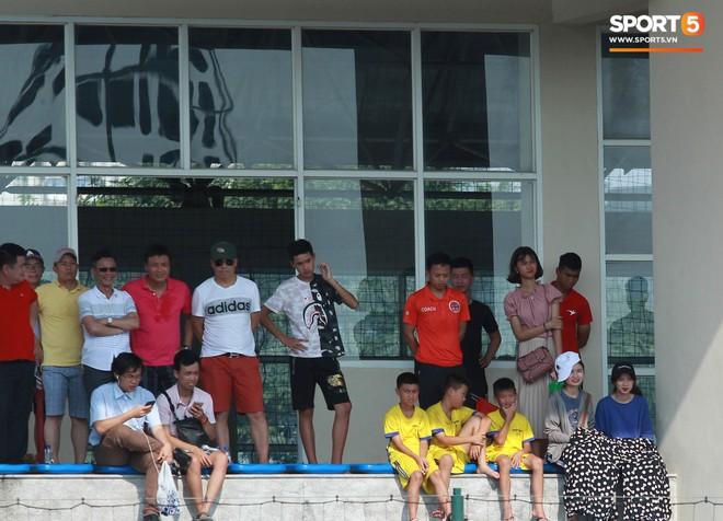 Thi đấu đầy quyết tâm dưới nhiệt độ gần 50 độ C, đàn em Quang Hải nhận cái kết viên mãn trong trận ra quân tại giải Hạng Nhì QG 2019 - ảnh 7