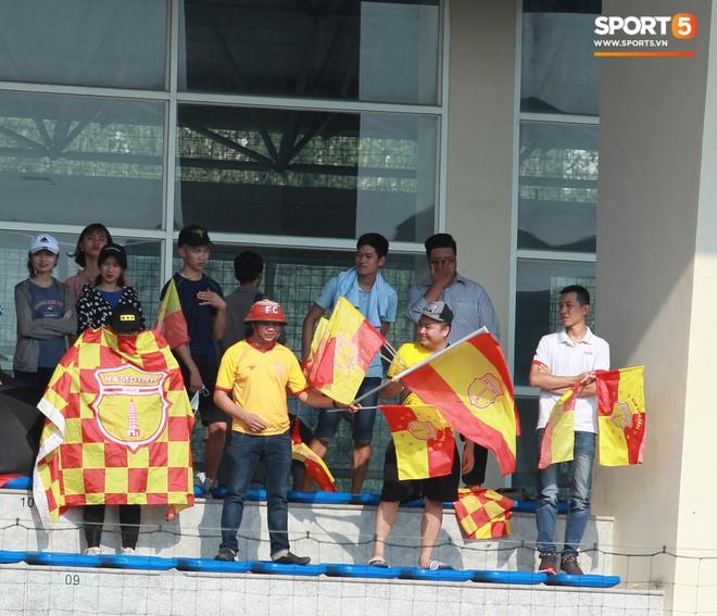 Thi đấu đầy quyết tâm dưới nhiệt độ gần 50 độ C, đàn em Quang Hải nhận cái kết viên mãn trong trận ra quân tại giải Hạng Nhì QG 2019 - ảnh 5