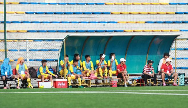 Thi đấu đầy quyết tâm dưới nhiệt độ gần 50 độ C, đàn em Quang Hải nhận cái kết viên mãn trong trận ra quân tại giải Hạng Nhì QG 2019 - ảnh 10