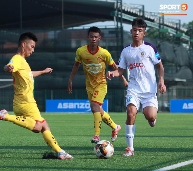 Thi đấu đầy quyết tâm dưới nhiệt độ gần 50 độ C, đàn em Quang Hải nhận cái kết viên mãn trong trận ra quân tại giải Hạng Nhì QG 2019 - ảnh 13