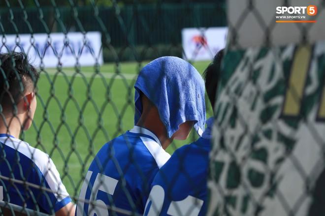 Thi đấu đầy quyết tâm dưới nhiệt độ gần 50 độ C, đàn em Quang Hải nhận cái kết viên mãn trong trận ra quân tại giải Hạng Nhì QG 2019 - ảnh 11