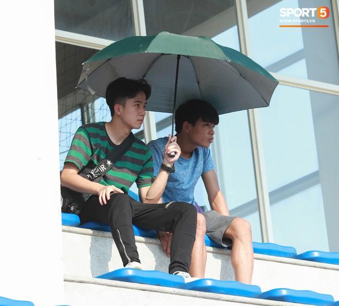 Thi đấu đầy quyết tâm dưới nhiệt độ gần 50 độ C, đàn em Quang Hải nhận cái kết viên mãn trong trận ra quân tại giải Hạng Nhì QG 2019 - ảnh 9