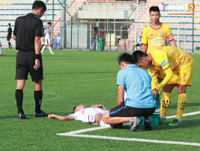 Thi đấu đầy quyết tâm dưới nhiệt độ gần 50 độ C, đàn em Quang Hải nhận cái kết viên mãn trong trận ra quân tại giải Hạng Nhì QG 2019 - ảnh 24