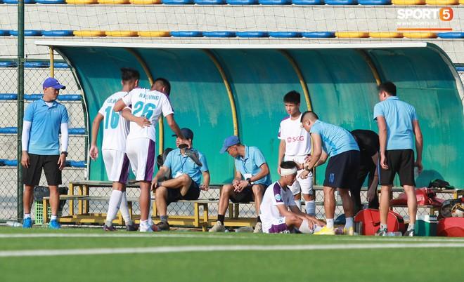 Thi đấu đầy quyết tâm dưới nhiệt độ gần 50 độ C, đàn em Quang Hải nhận cái kết viên mãn trong trận ra quân tại giải Hạng Nhì QG 2019 - ảnh 19