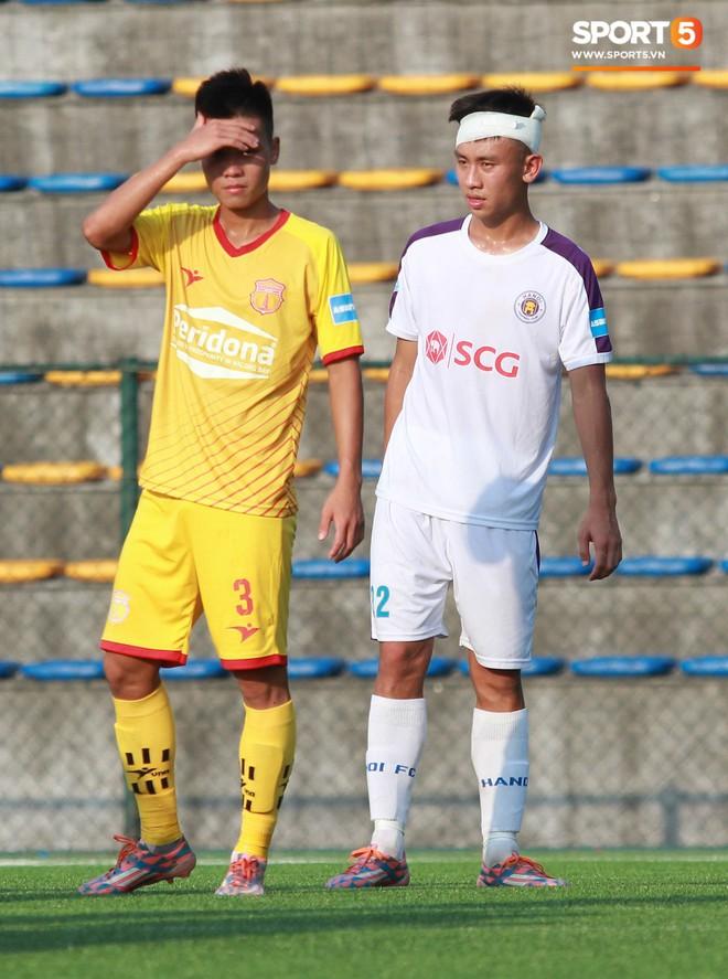 Thi đấu đầy quyết tâm dưới nhiệt độ gần 50 độ C, đàn em Quang Hải nhận cái kết viên mãn trong trận ra quân tại giải Hạng Nhì QG 2019 - ảnh 20