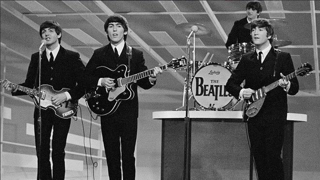 Hóa thân The Beatles trên talkshow nổi tiếng nước Mỹ, BTS còn là boygroup đầu tiên làm được điều này sau... 55 năm! - ảnh 7