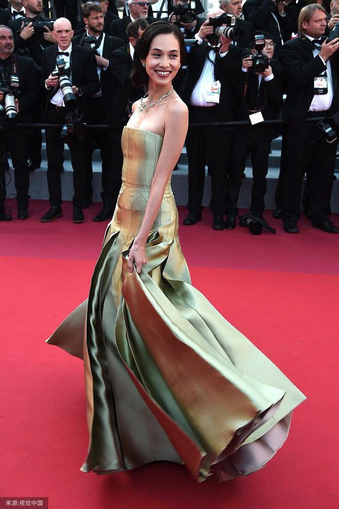 O ép cũng không mặc đẹp bằng ngực lép: Không tin bạn cứ nhìn Cảnh Điềm và tình cũ của G-Dragon tại LHP Cannes 2019 - ảnh 1