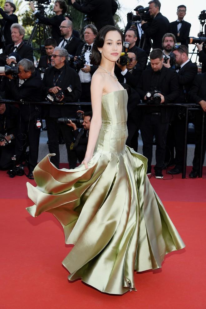 O ép cũng không mặc đẹp bằng ngực lép: Không tin bạn cứ nhìn Cảnh Điềm và tình cũ của G-Dragon tại LHP Cannes 2019 - ảnh 3