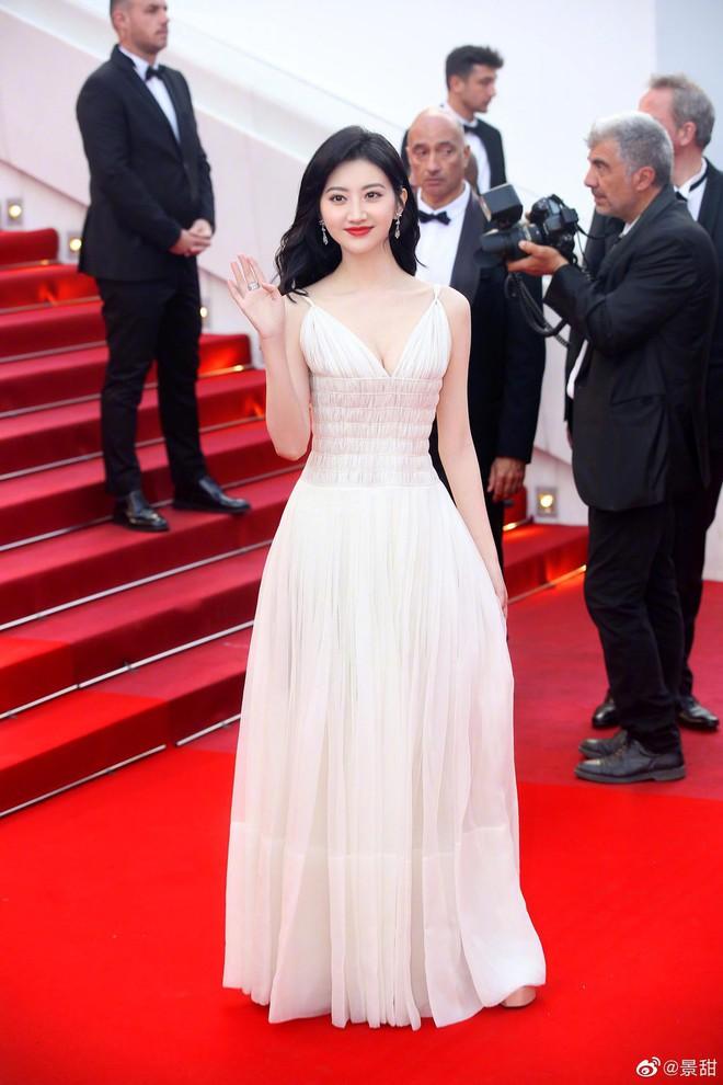 O ép cũng không mặc đẹp bằng ngực lép: Không tin bạn cứ nhìn Cảnh Điềm và tình cũ của G-Dragon tại LHP Cannes 2019 - ảnh 8