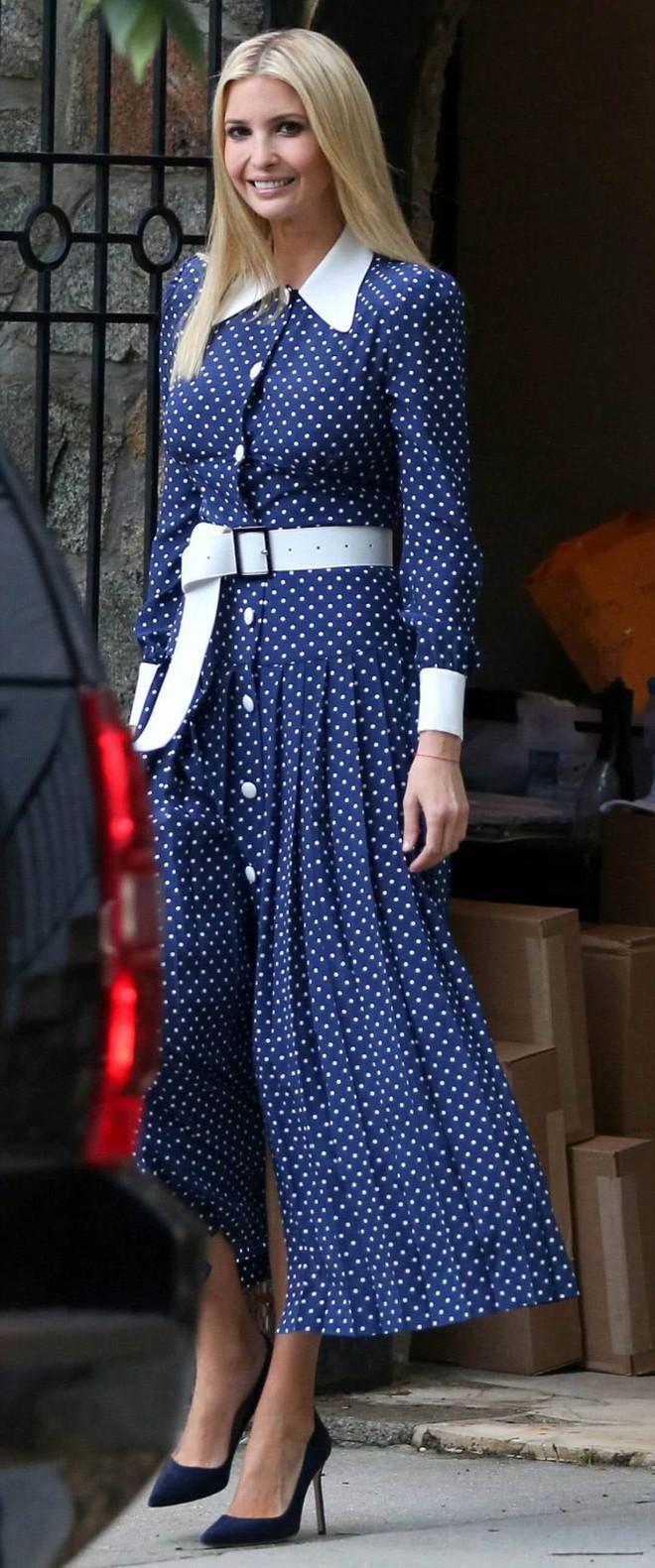 Lần diện đồ cũ này của Công nương Kate quá đặc biệt: Đụng hàng với ái nữ Tổng thống Trump và giống đến 80% váy của mẹ chồng - ảnh 8