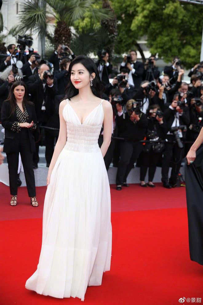 O ép cũng không mặc đẹp bằng ngực lép: Không tin bạn cứ nhìn Cảnh Điềm và tình cũ của G-Dragon tại LHP Cannes 2019 - ảnh 7