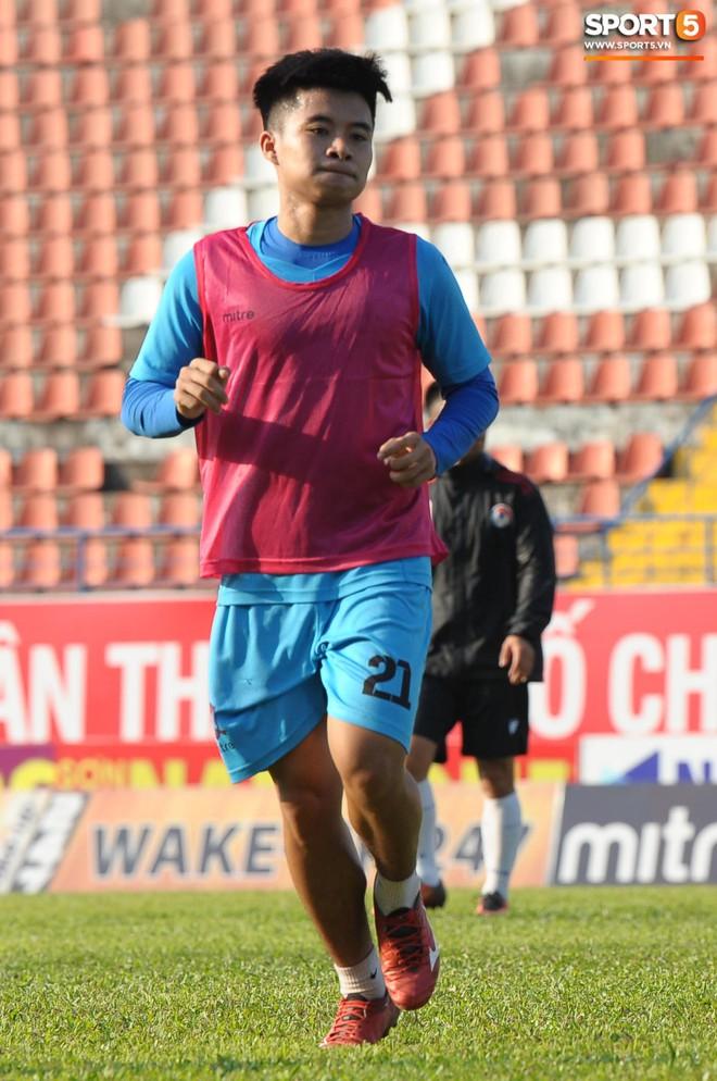Cầu thủ Hải Phòng nhí nhảnh trên sân tập trước cuộc so tài với CLB Thanh Hóa - ảnh 2