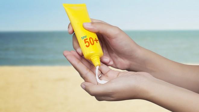 Cục quản lý thực phẩm và dược phẩm Mỹ ban hành hướng dẫn sử dụng kem chống nắng để tránh ung thư da - ảnh 2