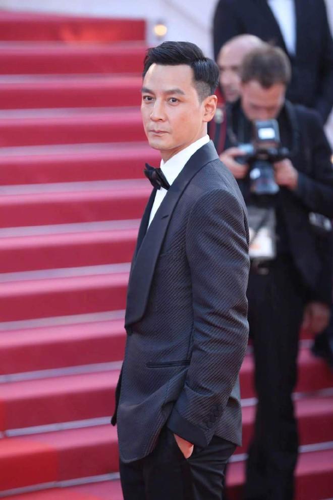 Thảm đỏ Cannes ngày 3: HLV The Face Thái Lan bất ngờ vùng lên chặt chém Bella Hadid cùng dàn mỹ nhân váy xẻ - ảnh 25