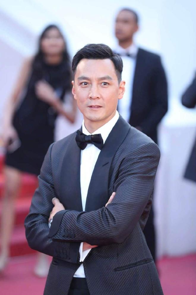 Thảm đỏ Cannes ngày 3: HLV The Face Thái Lan bất ngờ vùng lên chặt chém Bella Hadid cùng dàn mỹ nhân váy xẻ - ảnh 26