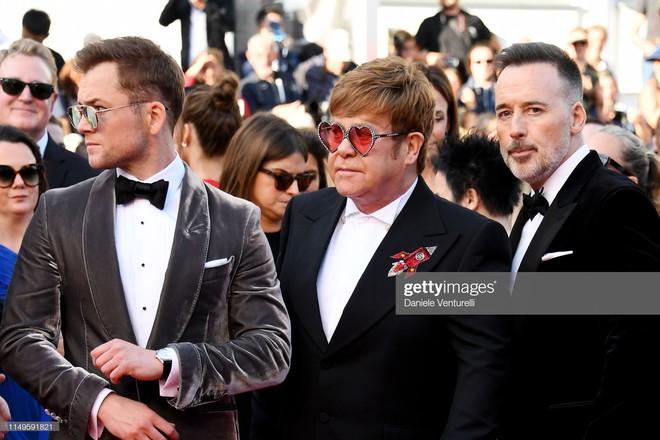 Thảm đỏ Cannes ngày 3: HLV The Face Thái Lan bất ngờ vùng lên chặt chém Bella Hadid cùng dàn mỹ nhân váy xẻ - ảnh 34