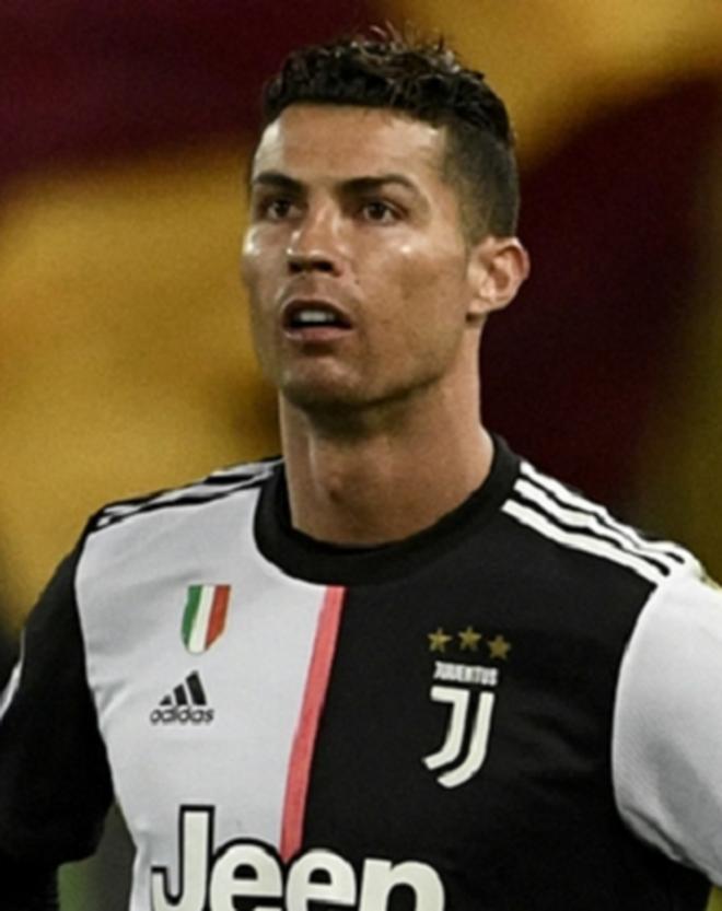 Khi các sao bóng đá chuyển đổi giới tính: Ronaldo đẹp xuất thần nhưng chưa phải trường hợp gây sửng sốt nhất - ảnh 2