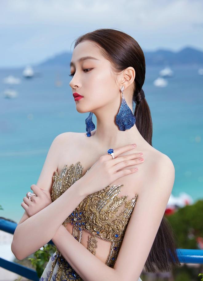 Không có Phạm Băng Băng, đây là nữ thần Trung Quốc đẹp nao lòng, gây bão với truyền thông quốc tế tại Cannes - ảnh 7