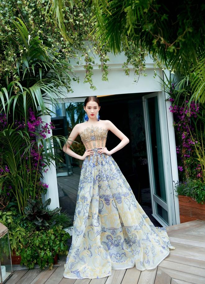 Không có Phạm Băng Băng, đây là nữ thần Trung Quốc đẹp nao lòng, gây bão với truyền thông quốc tế tại Cannes - ảnh 9