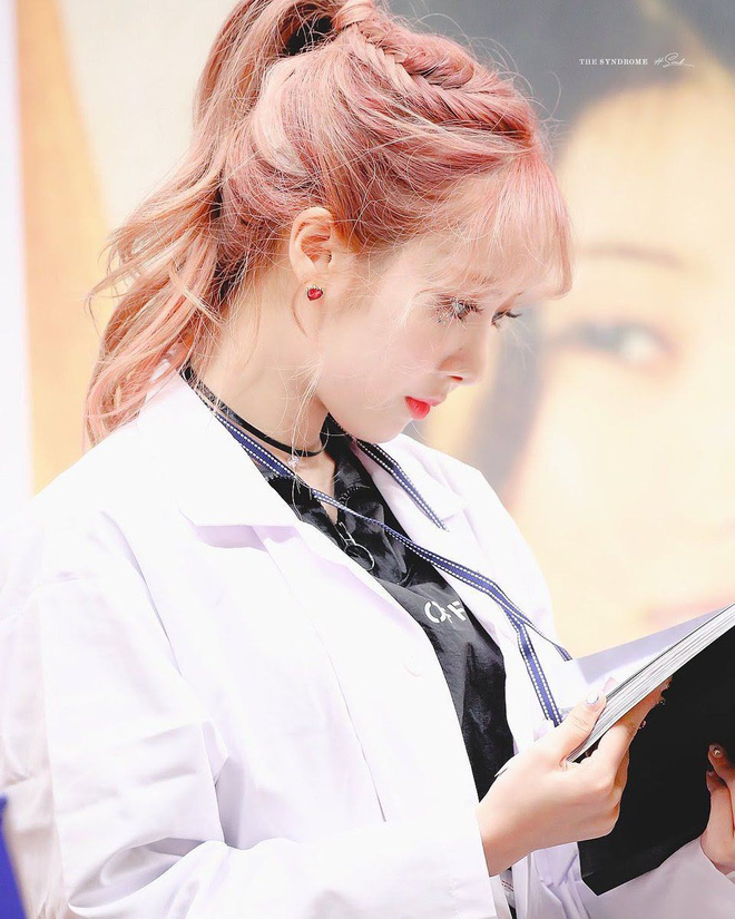 Gặp được bác sĩ như dàn idol Kpop tuyệt sắc này, chắc ai cũng muốn đến bệnh viện để khám bệnh tương tư mỗi ngày - ảnh 12