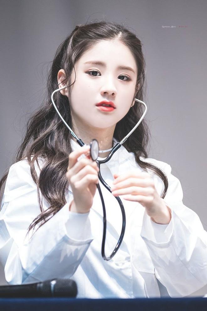 Gặp được bác sĩ như dàn idol Kpop tuyệt sắc này, chắc ai cũng muốn đến bệnh viện để khám bệnh tương tư mỗi ngày - ảnh 20