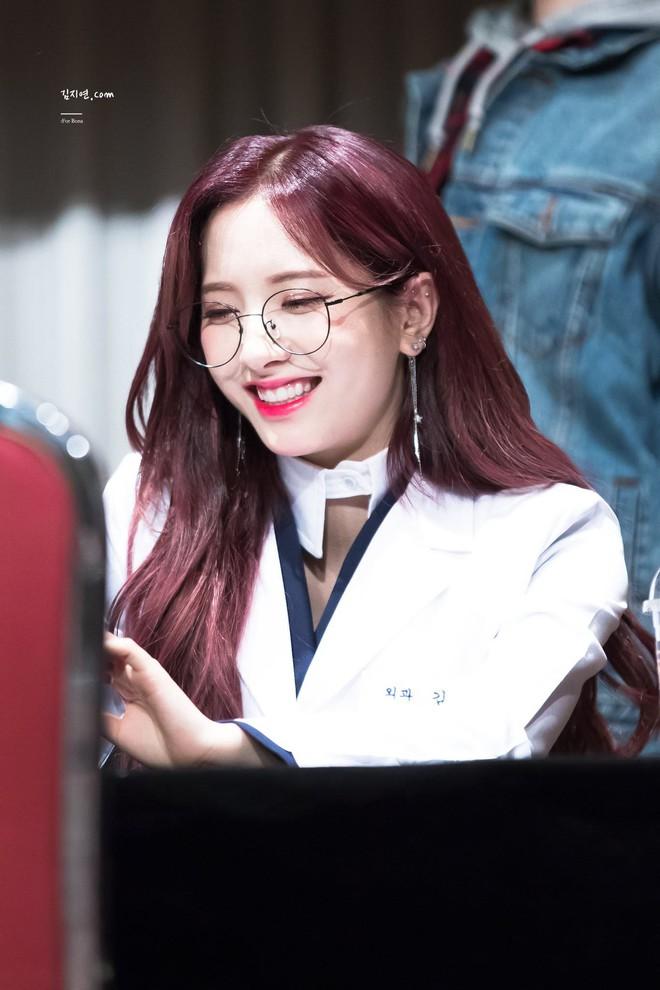 Gặp được bác sĩ như dàn idol Kpop tuyệt sắc này, chắc ai cũng muốn đến bệnh viện để khám bệnh tương tư mỗi ngày - ảnh 24