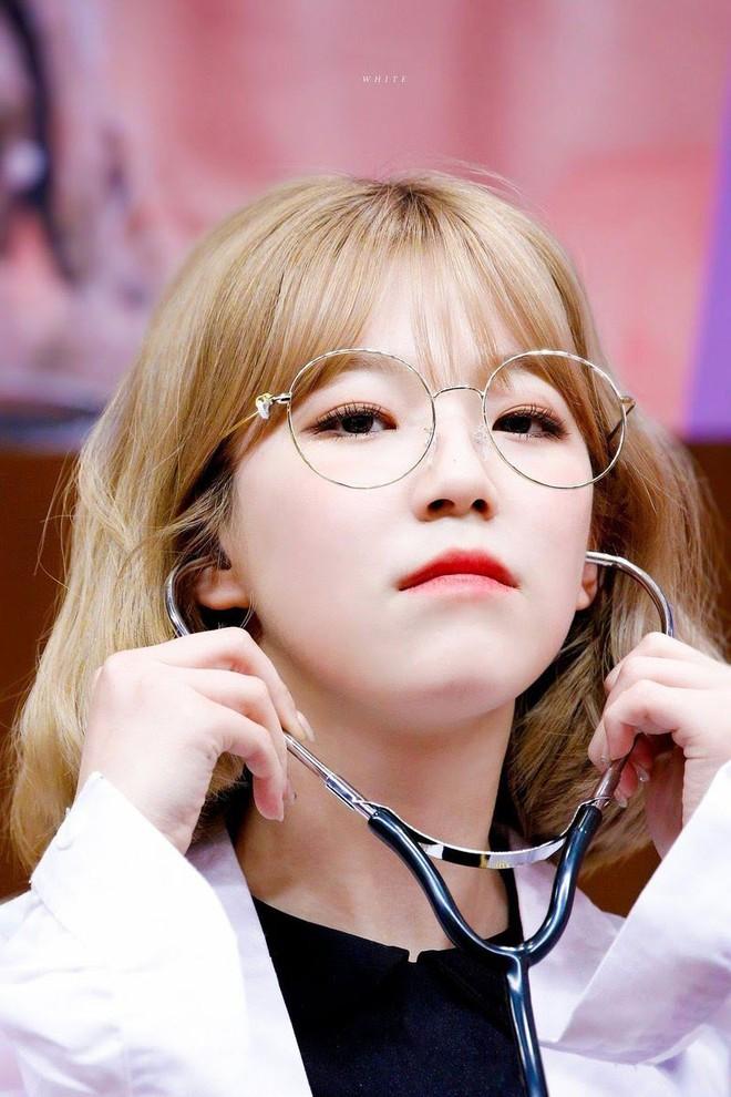 Gặp được bác sĩ như dàn idol Kpop tuyệt sắc này, chắc ai cũng muốn đến bệnh viện để khám bệnh tương tư mỗi ngày - ảnh 30