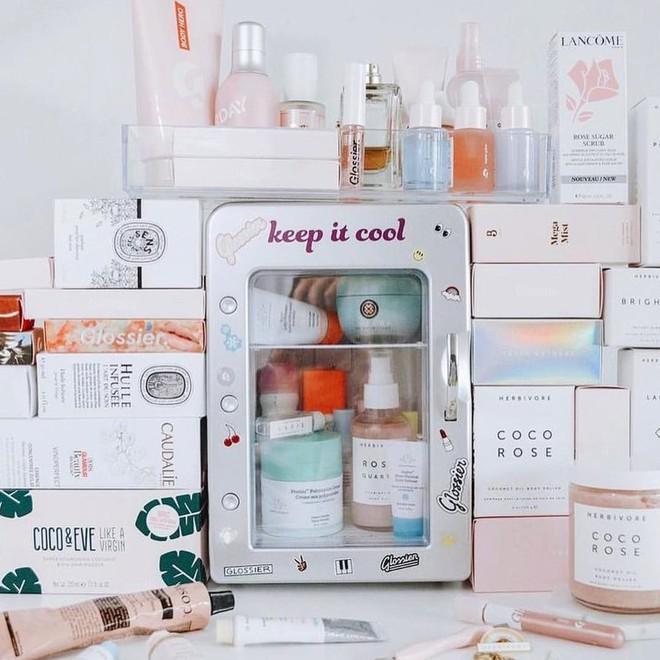 Sắm tủ lạnh mini dành riêng cho đồ skincare đang là hot trend và đây là lý do bạn nên theo xu hướng quý tộc này - ảnh 2