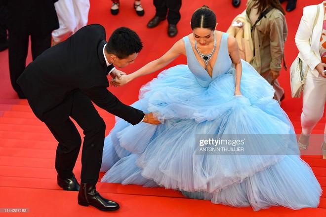Ngày 4 Cannes: Bella Hadid diễn sâu hết cỡ bên Hoa hậu Thế giới trội nhất thảm đỏ, Thánh lố hoa lá hẹ xuất hiện - ảnh 15