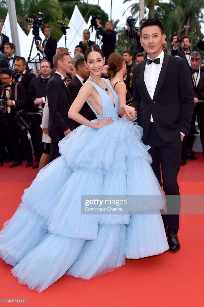 Ngày 4 Cannes: Bella Hadid diễn sâu hết cỡ bên Hoa hậu Thế giới trội nhất thảm đỏ, Thánh lố hoa lá hẹ xuất hiện - ảnh 12