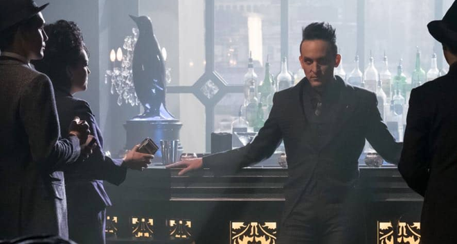 Hé lộ danh tính 2 phản diện đầu tiên trong phim BATMAN của sao Twilight - ảnh 2