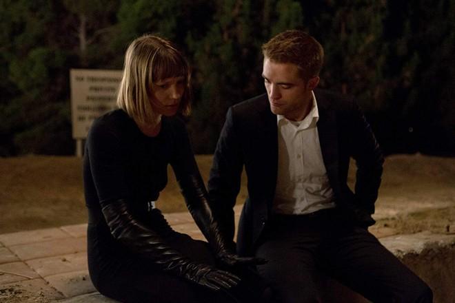 Từ Ma Cà Rồng đến Người Dơi, Robert Pattinson đã dùng 11 năm để phản công bạn gái cũ - ảnh 9