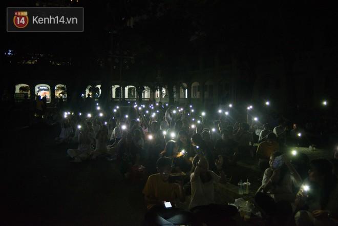 Đêm ra trường chuyên Lê Hồng Phong: Còn hơn những giọt nước mắt chính là cùng cười, cùng vui bên nhau đêm cuối - ảnh 11