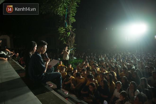Đêm ra trường chuyên Lê Hồng Phong: Còn hơn những giọt nước mắt chính là cùng cười, cùng vui bên nhau đêm cuối - ảnh 13